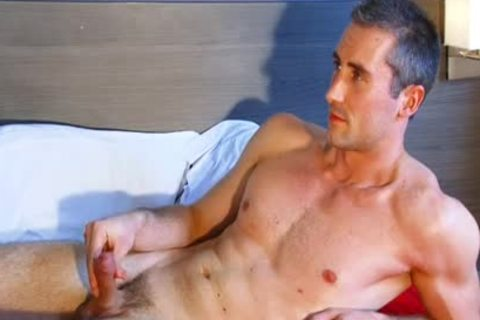 Full video: A blameless str8 lad Serviced His large penis By A lad.