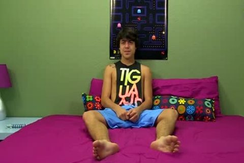 lusty twink Tristan Tyler Doing A Solo Session For The Camera